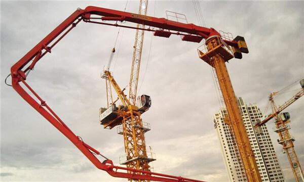 HG32E-4R Concrete boom placer